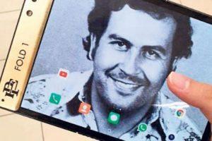 Брат Пабло Эскобара выпустил телефон с гибким экраном, чтобы разорить Apple. Обман этого года.